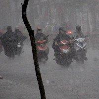 Chiều tối nay các tỉnh Bắc Bộ mới giảm nhiệt nhờ mưa rào và dông