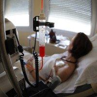 Chữa ung thư vú không cần hóa trị