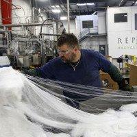 Chúng ta sắp sửa mặc quần áo sản xuất từ chai nhựa
