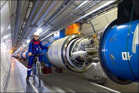 Cỗ máy lớn nhất thế giới chuẩn bị vụ nổ