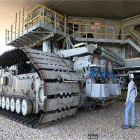 Cỗ xe 2.700 tấn hộ tống tên lửa lớn nhất hành tinh của NASA