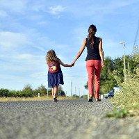 Con cái thừa hưởng trí thông minh từ mẹ, chứ không phải từ cha