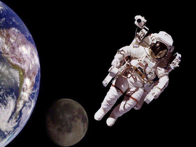 Con người có thể sống bao lâu khi ở trong vũ trụ ?