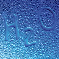 Con người có thể tạo ra khí Hydro và Oxy, vậy sao chúng ta không thể sản xuất nước?