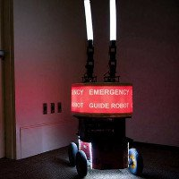 Con người sẽ làm theo hướng dẫn của robot trong trường hợp khẩn cấp