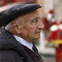 Con người sống lâu là hạnh phúc hay khổ đau?