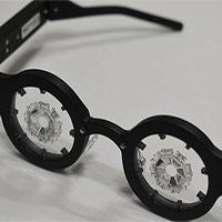 Công ty Nhật Bản chế tạokính chữa cận thị