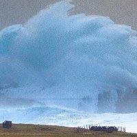 Cột sóng cao hơn 14m