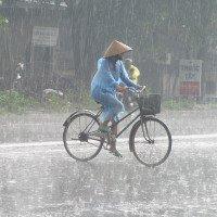 Cuối tuần Bắc bộ có mưa rào và dông, Nam bộ vẫn nắng mạnh
