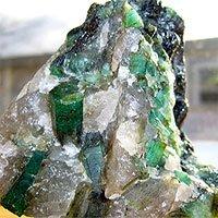 Đá pegmatit - Ngọc quý
