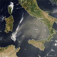 Đám mây bụi bay 1.000km từ châu Phi tới châu Âu