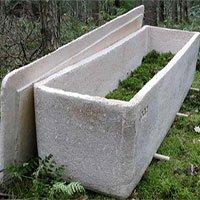 Đám tang đầu tiên dùng