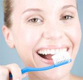 Đánh răng thường xuyên làm giảm nguy cơ viêm khớp