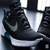 Đập hộp đôi giày tự thắt dây đầu tiên trên thế giới Nike HyperAdapt 1.0 giá 40 triệu