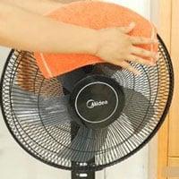 Đặt khăn lên quạt điện, vừa mát như điều hòa vừa giúp đuổi muỗi