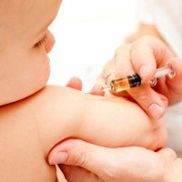 Dấu hiệu trẻ bị biến chứng sau tiêm vắc xin cần lưu ý