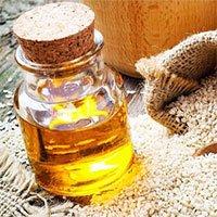 Dầu mè là gì? Tác dụng của dầu mè đối với sức khỏe và lưu ý khi sử dụng
