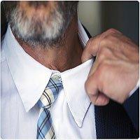 Đeo cà vạt chật có thể làm giảm chức năng não