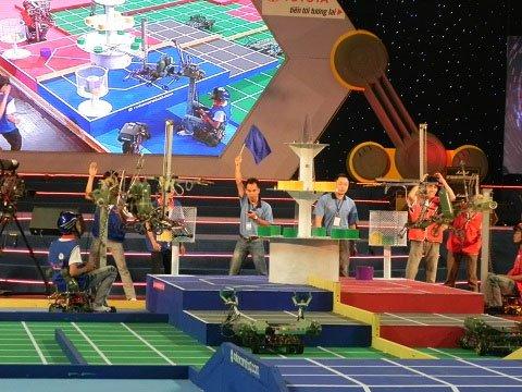 ĐH Lạc Hồng vô địch cuộc thi Robocon 2012