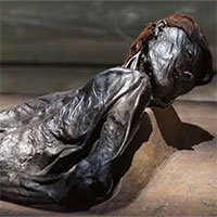 Đi tìm dấu vân tay xác ướp 2300 năm đau đớn dưới đầm lầy Bắc Âu
