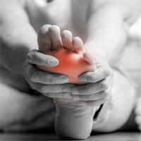 Điều gì xảy ra khi bàn chân tê như kim châm?