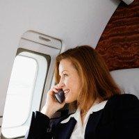 Điều gì xảy ra nếu không tắt điện thoại trên máy bay?