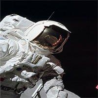 Do lỗi của phi hành gia Apollo khiến nhiệt độ Mặt trăng tăng lên trong 40 năm qua