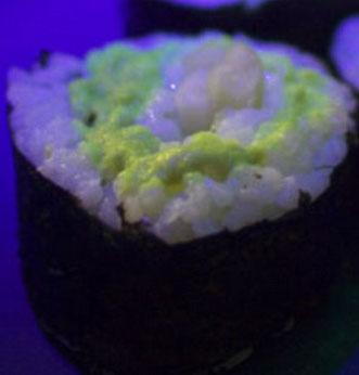 Độc đáo món sushi làm từ cá phát sáng