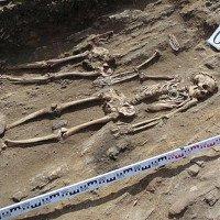 Đôi tình nhân nắm chặt tay nhau suốt 5.000 năm trong cổ mộ