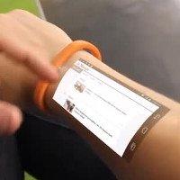 Đồng hồ thông minh biến cánh tay thành màn hình cảm ứng