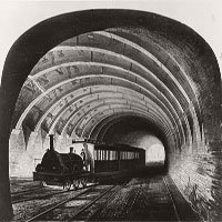 Đột nhập hệ thống tàu điện ngầm London hơn 100 năm trước