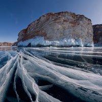 Đứng hình trước vẻ đẹp lạnh giá của những hồ nước bị đóng băng