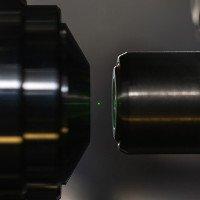 Dùng tia laser dịch chuyển đồ vật trong không khí