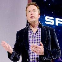 Elon Musk: Từ đứa trẻ bị bạn đánh