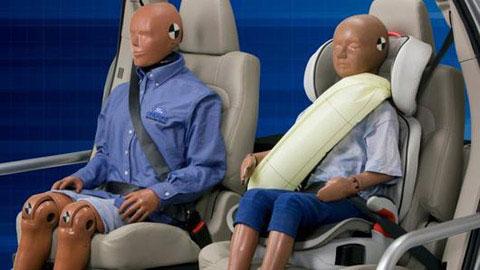 Ford công bố dây đeo an toàn kiểu bơm hơi