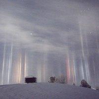 Giải mã những cột sáng bí ẩn nghi của người ngoài hành tinh đang gây xôn xao cả một vùng trời Canada