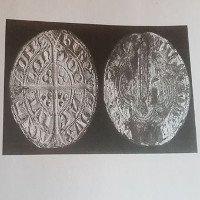 """Giật mình với """"kho báu"""" ngàn năm tuổi được phát hiện trên cánh đồng tại Anh"""