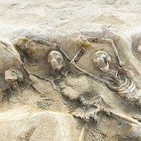 Hai ngôi mộ tập thể đã được khai quật tại Hy Lạp