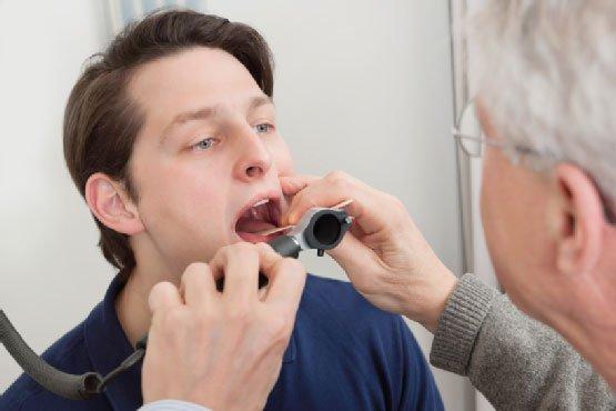 Hầu hết bệnh viêm họng không cần kháng sinh