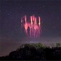 Hiện tượng lạ xuất hiện trên bầu trời khiến nhiều người hoảng sợ