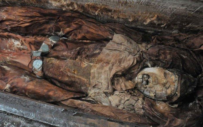 Hình ảnh: Khai quật mộ cổ vương hậu nhà Minh