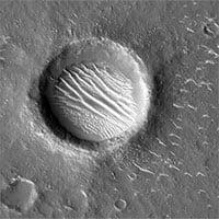 Hình ảnh vệ tinh chụp nơi đáp trên sao Hỏa của tàu thăm dò Thiên Vấn 1