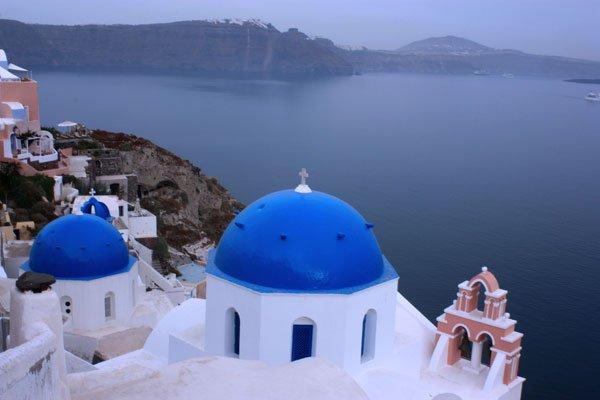 Hòn đảo xinh đẹp nhất Hy Lạp thấp thỏm vì đá cháy