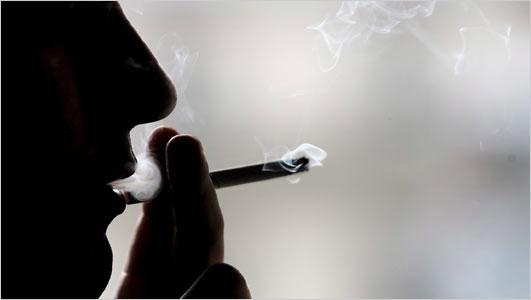 Hút thuốc lá nguy hiểm nhất lúc đầu giờ sáng