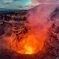 Hy hữu du khách sống sót sau khi rơi vào miệng núi lửa đang hoạt động ở Hawaii