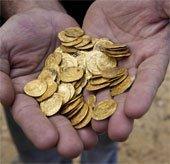 Israel: Tìm thấy 6kg tiền vàng cổ dưới biển