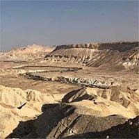 Khám phá nguồn gốc của hồ nước cổ đại dưới sa mạc