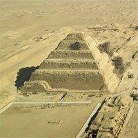 """Khám phá """"Thành phố của người chết"""" thời Ai Cập cổ đại"""