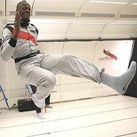 Khi người nhanh nhất thế giới chạy đua trong môi trường không trọng lực