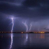 Khí thải khiến giông bão nguy hiểm hơn